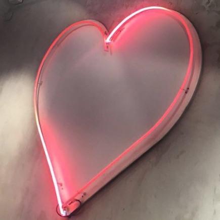 Corazón de neón